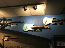 Robert Cray Guitar among others.